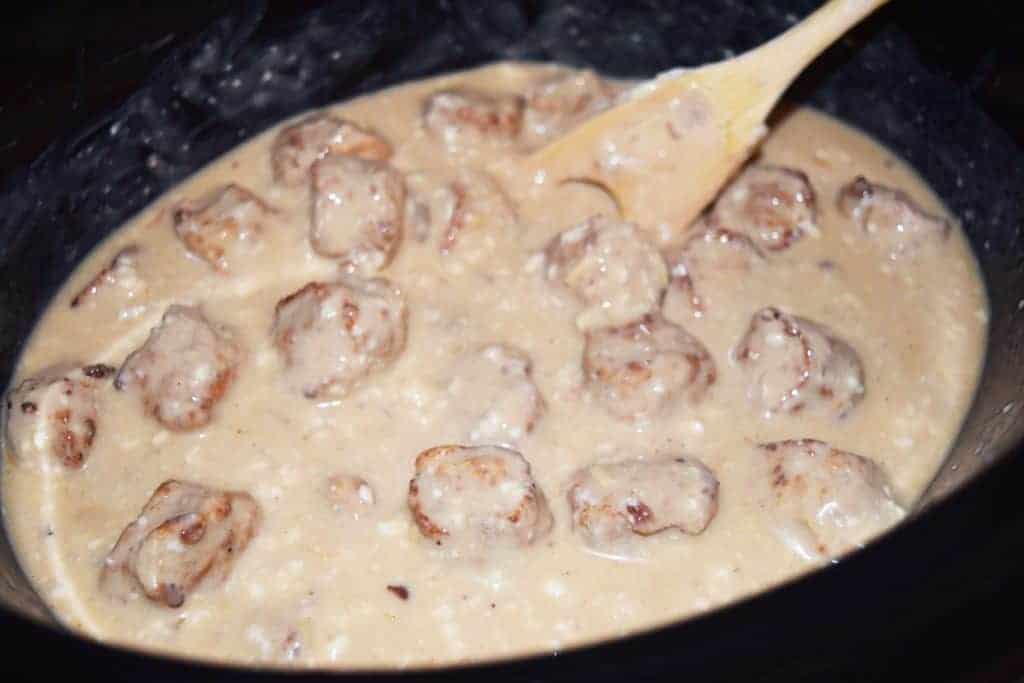 Slow-cooker swedish meatballs