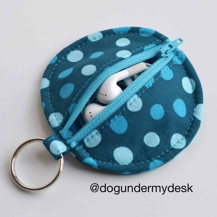 earbud holder