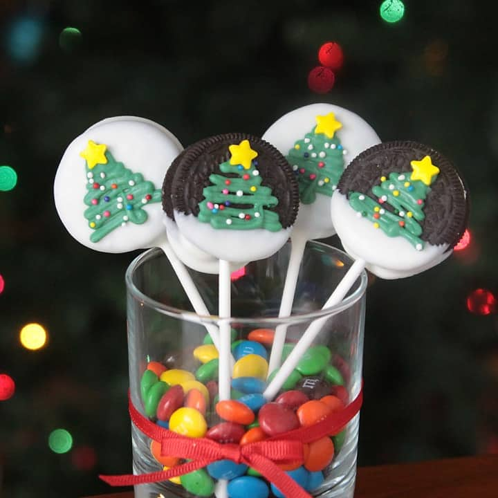 christmas-tree-oreos-easy-kids-craft-edible-food-treat-how-to-make-fun-holiday-activity-2-min