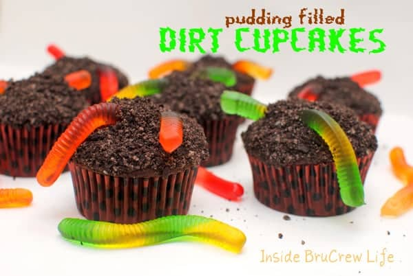 Pudding-filled-Dirt-Cupcakes1-min